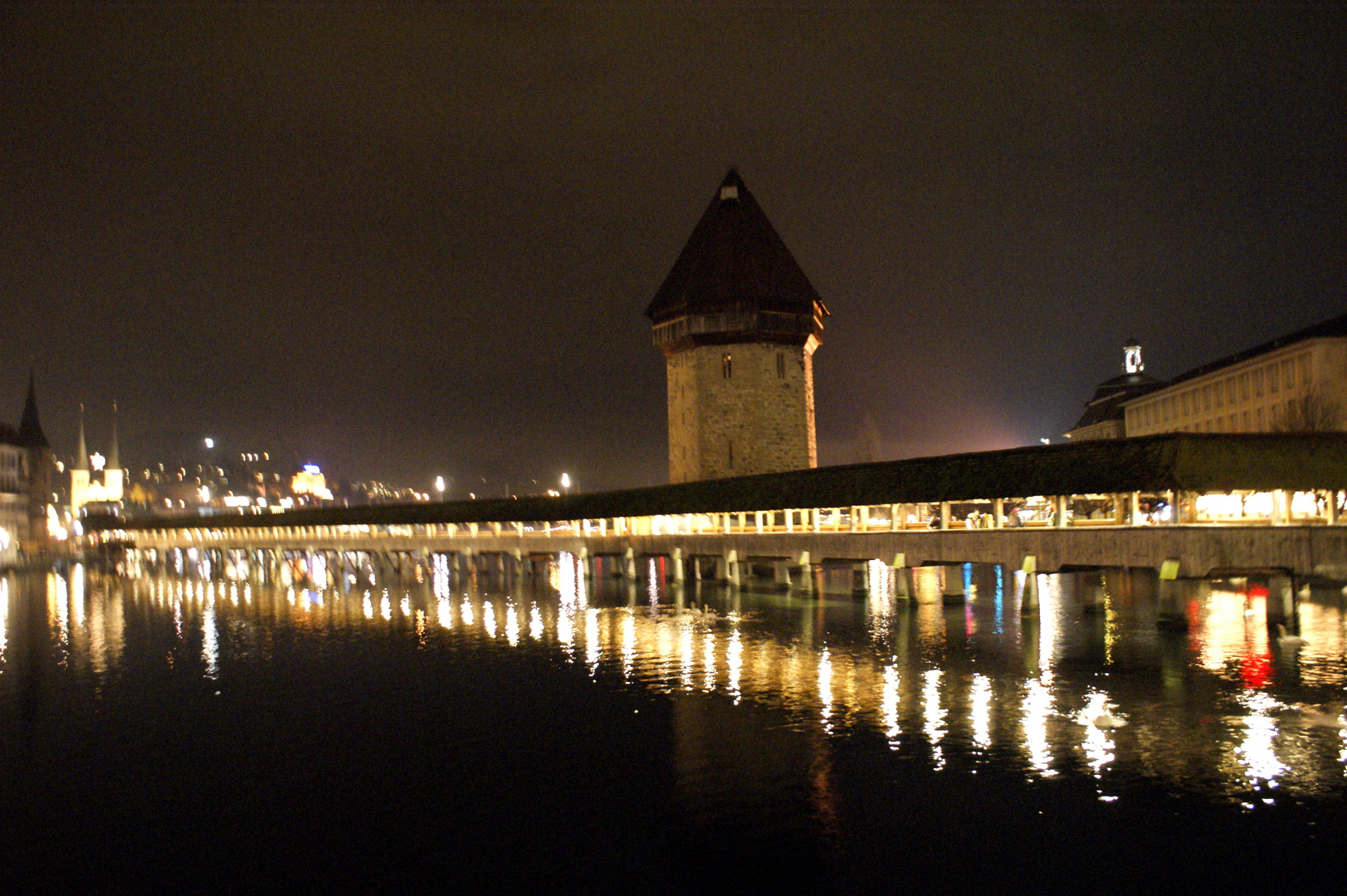 Kapellbrücke Luzern bei Nacht