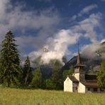 Kapelle in Berglandschaft