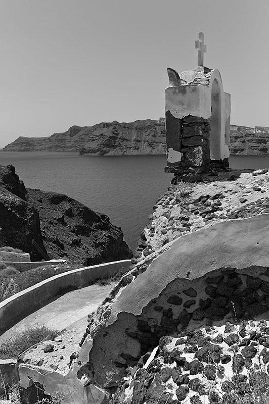 Kapellenruine oberhalb von Ammoudi Harbour