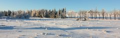 Karge Landschaft auf dem flachen Osterzgebirgskamm hier auf bömischer Seite mit...