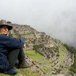 Karin mit Blick auf Machu Pichu