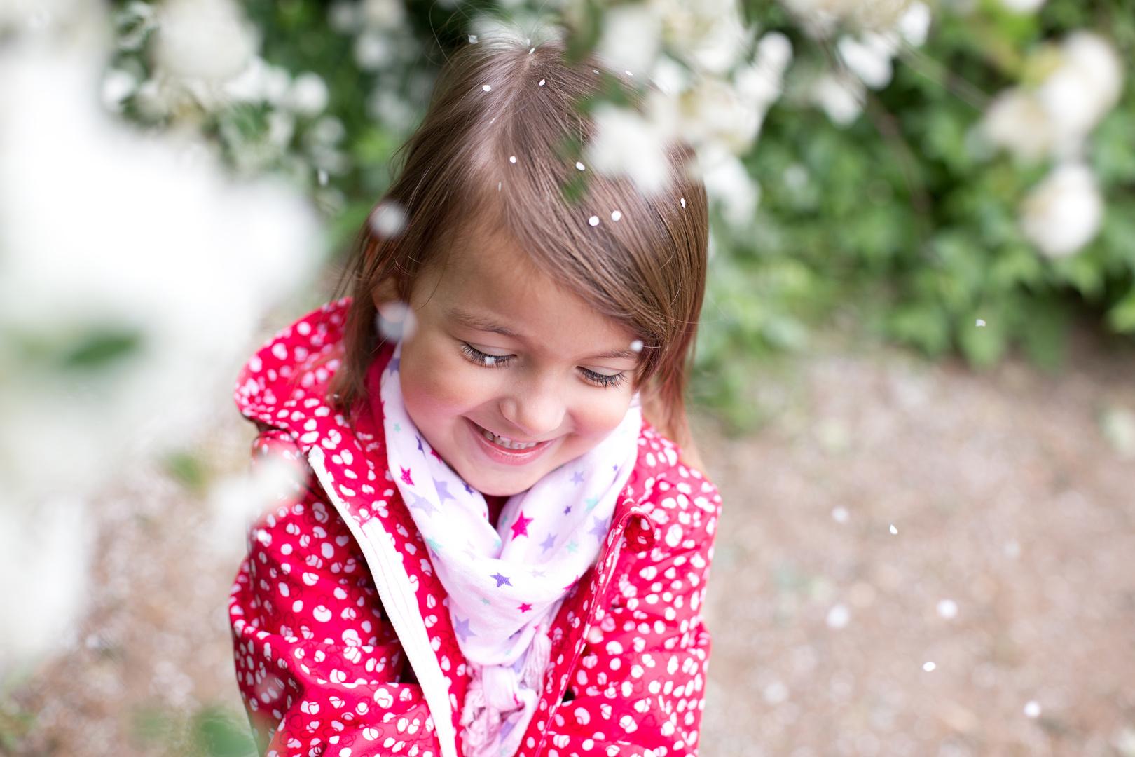 Karina mit weisen Blüten 2