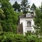 Karl May vor der Villa Shatterhand