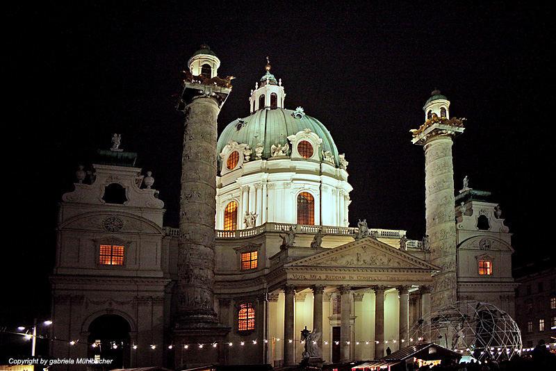 Karlskirche im Dezember