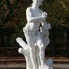 Karlsruhe - Mythologische Bildwerke auf dem Schlossplatz (IV)