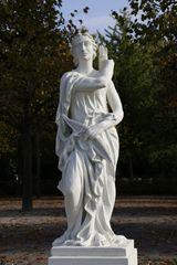Karlsruhe - Mythologische Bildwerke auf dem Schlossplatz (XII)