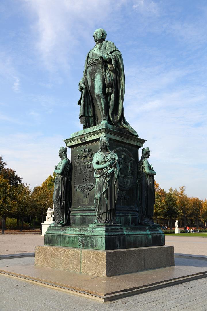 Karlsruhe - Statue von Carl Friedrich - Großherzog von Baden
