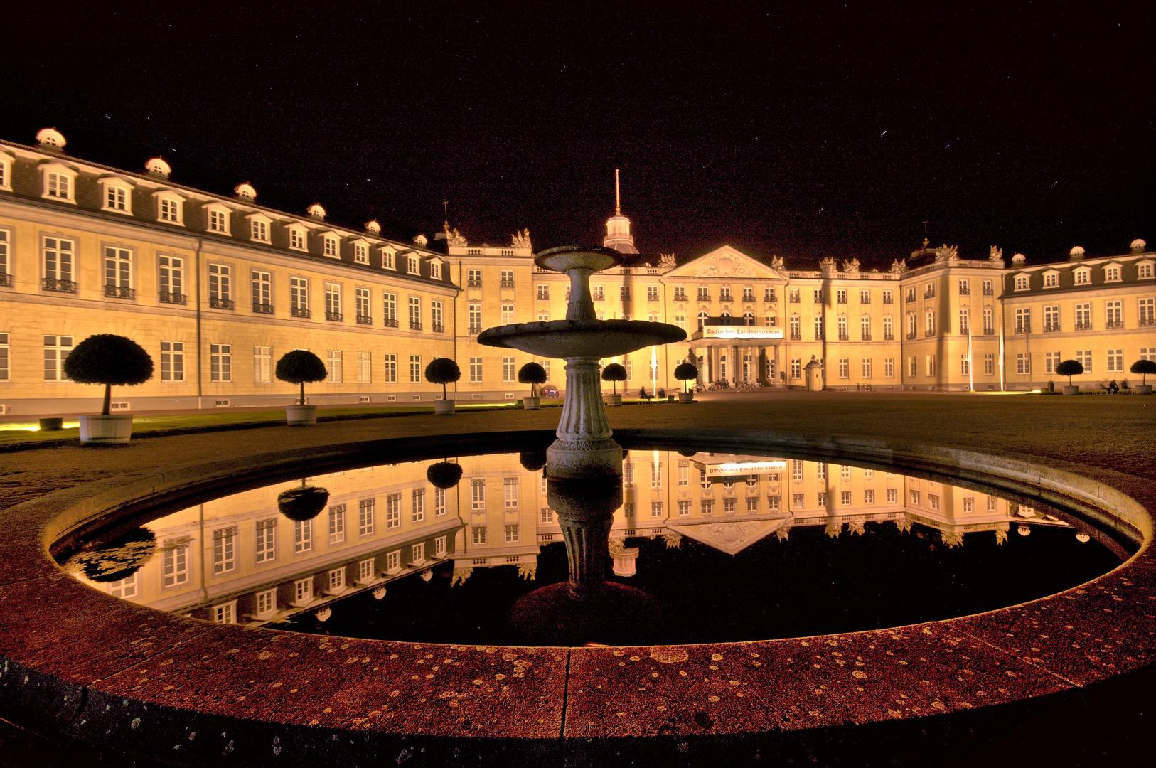 Karlsruher Schloss am Abend