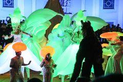 Karneval Theater Lichtoper Stelzen V-53 sep16