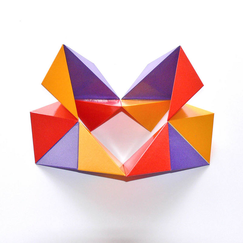 Kartonwürfel, auffaltbar in Segmente