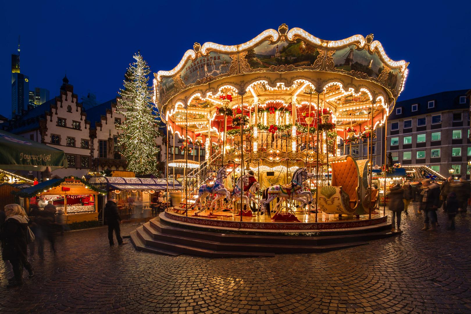 Weihnachtsmarkt Frankfurt Main.Karussell Weihnachtsmarkt Frankfurt Am Main Foto Bild