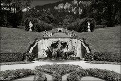 Kaskade mit Neptunbrunnen und Laubengängen