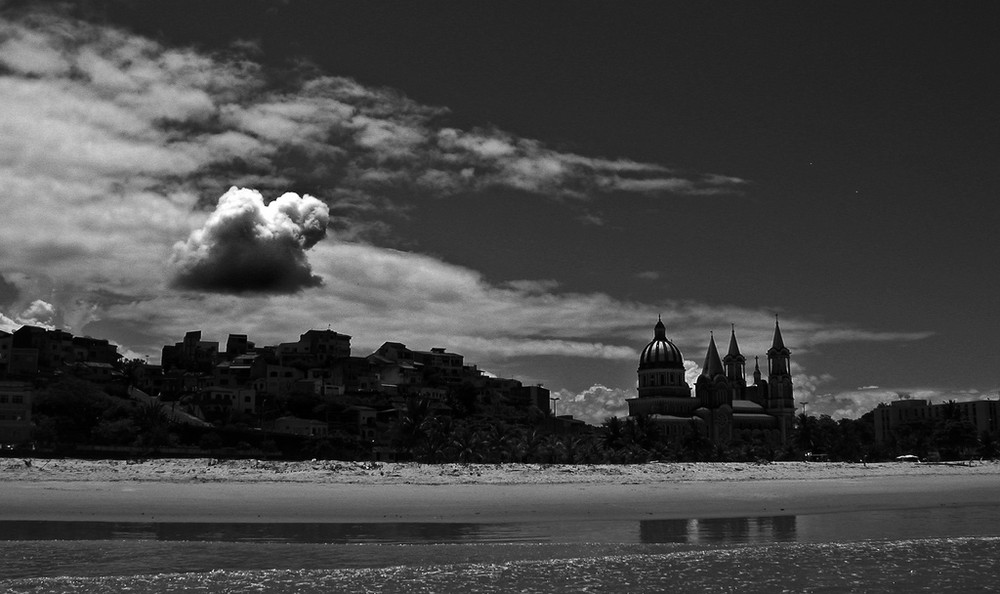 Kathedrale mit Wolke