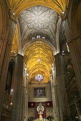 Kathedrale Sevilla (Innenraum mit Marienaltar)