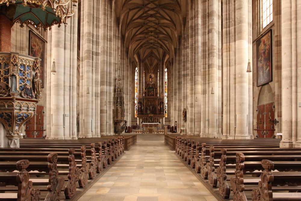 Katholische Stadtpfarrkirche St. Georg in Dinkelsbühl