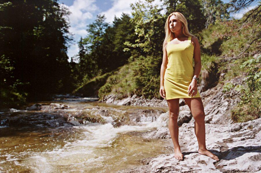 Katja am Wildbach (6)