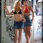 *Katrin & Klara S1 01*