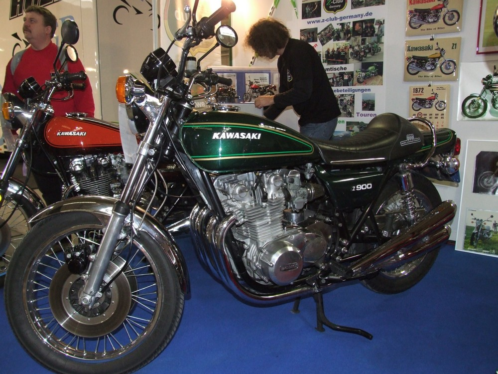 Kawasaki Z900 Foto Bild