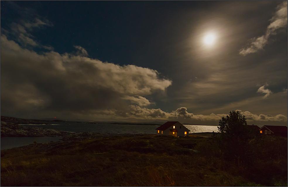 kein nordlicht - aber vollmond, wolken und zirrus