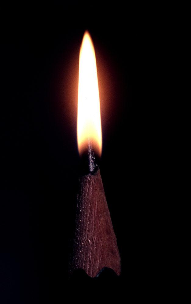 Keine Kerze im Haus? Graphit brennt auch!