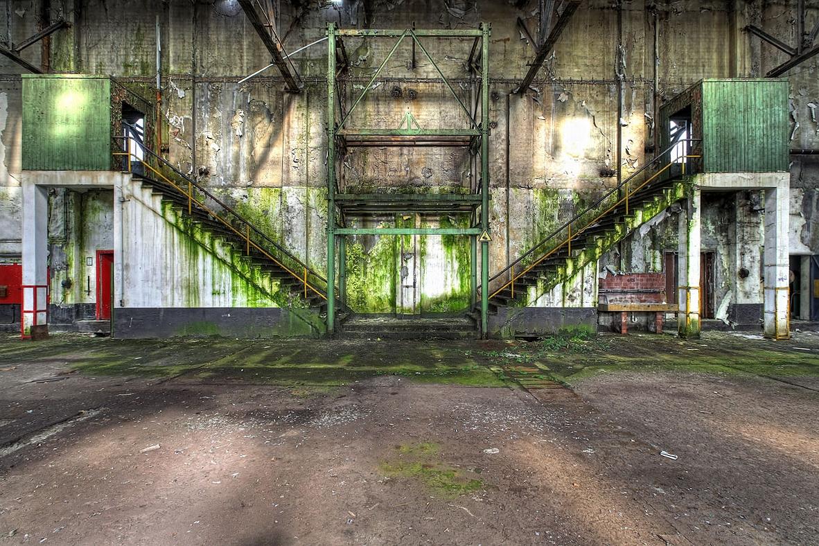 Keine runde Treppe - Zwei Treppen - Große Halle