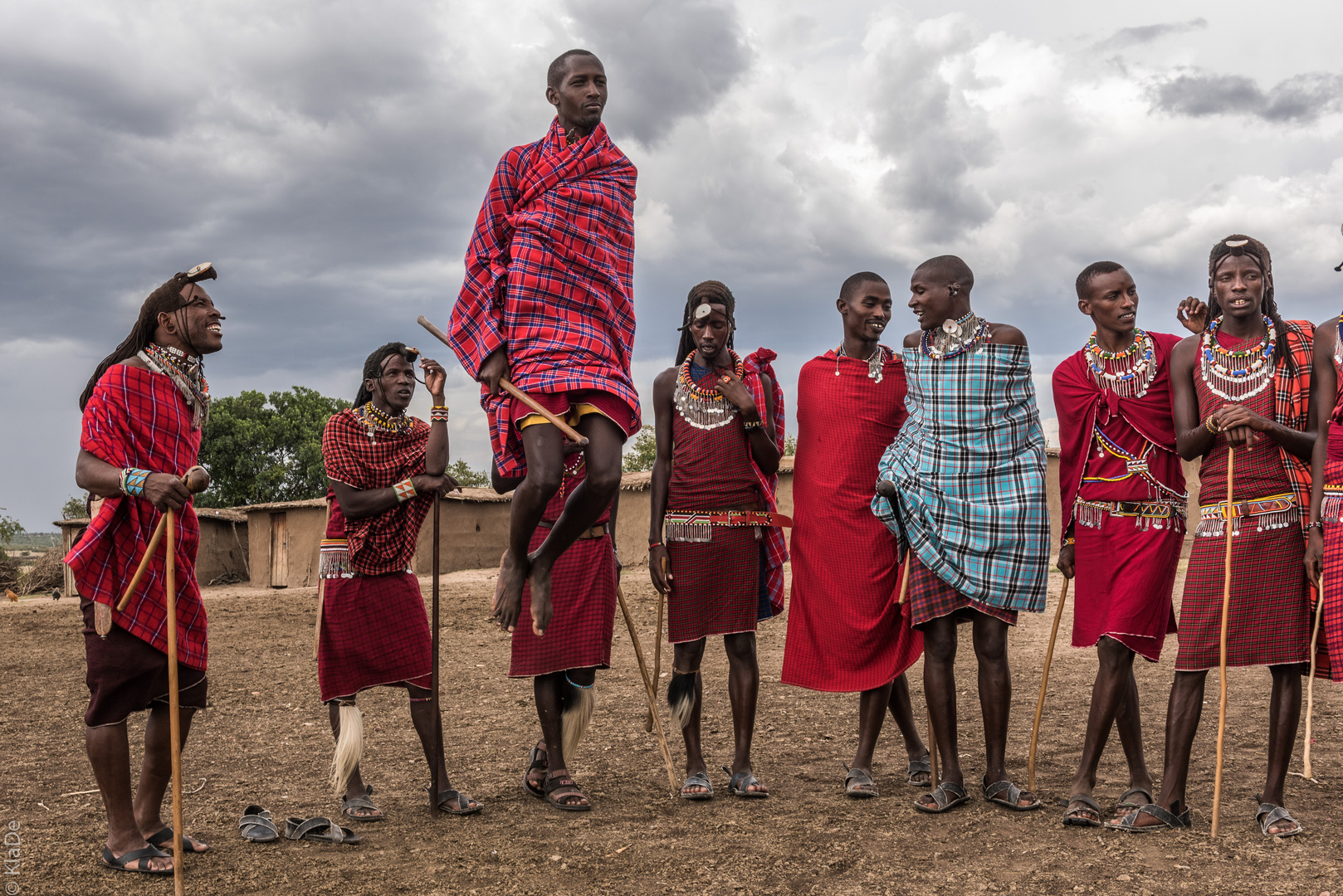 Kenia - Masai Mara - Massai - Tanz der jungen Krieger
