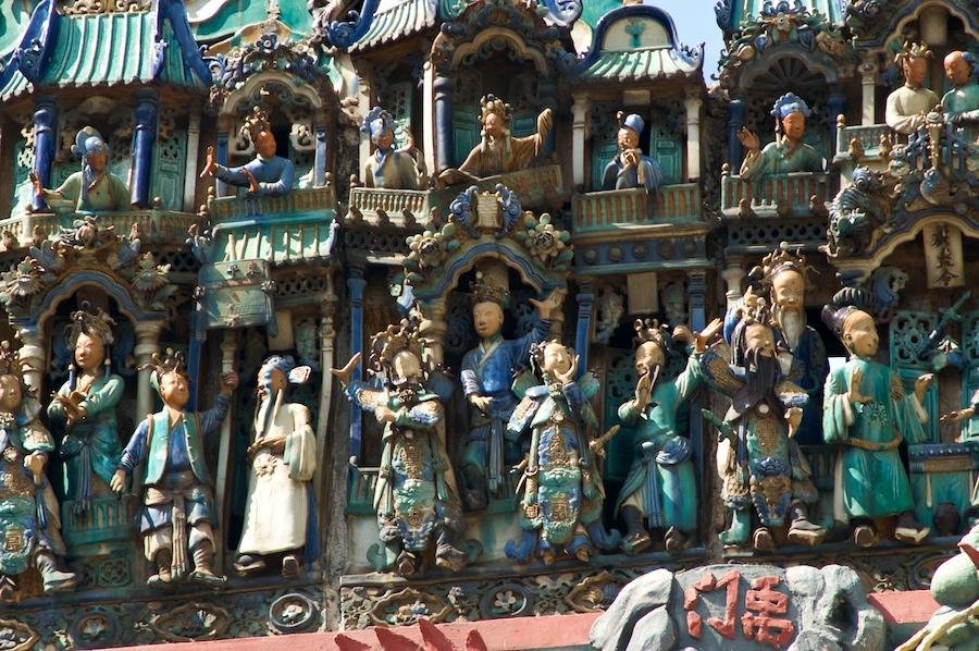 Keramikfiguren in der Thien-Hau-Pagode