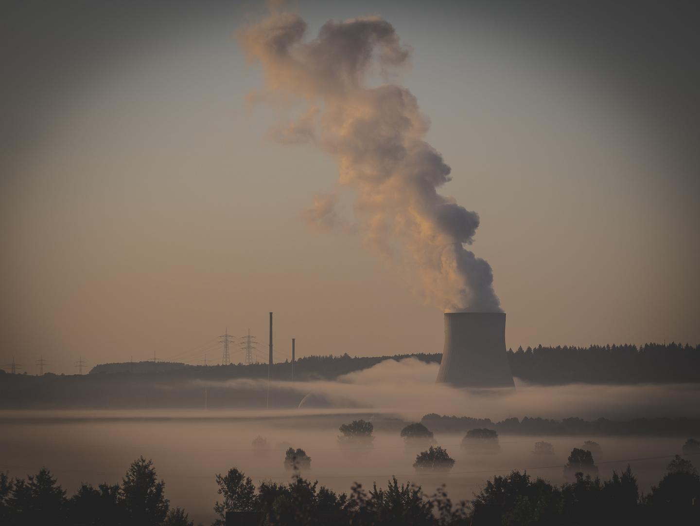 Kernkraftwerk Ohu am Morgen