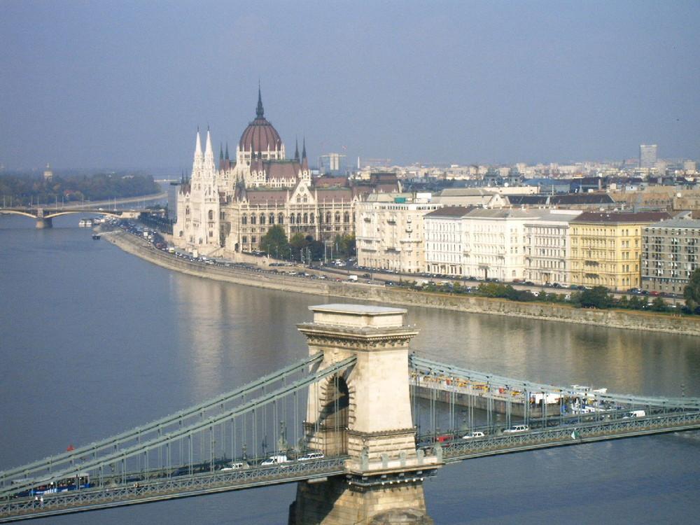 Kettenbrücke+Parlament