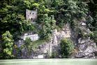 Kettenturm unterhalb von Schloss Neuhaus bei Untermühl