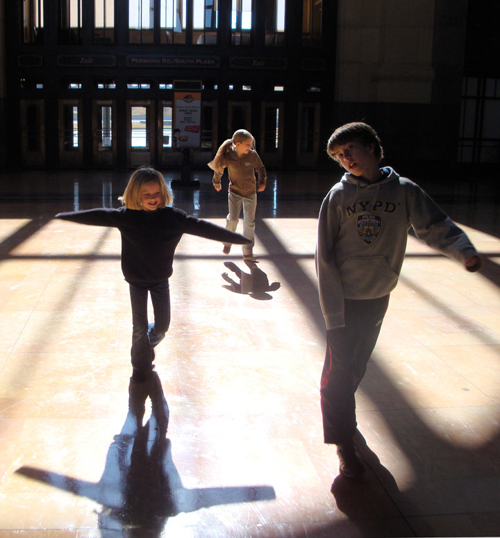 Kids in Union Station KC