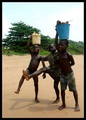 ... Kids near Princess Town, Ghana ...