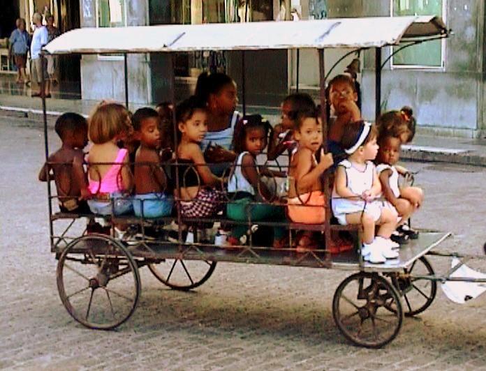 """Kids Transportation in Cuba :.: """"Kinderwagen"""" in Kuba"""