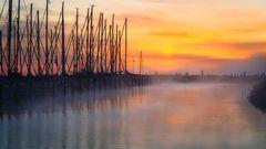 Kiel #31 (foggy harbour sunrise)