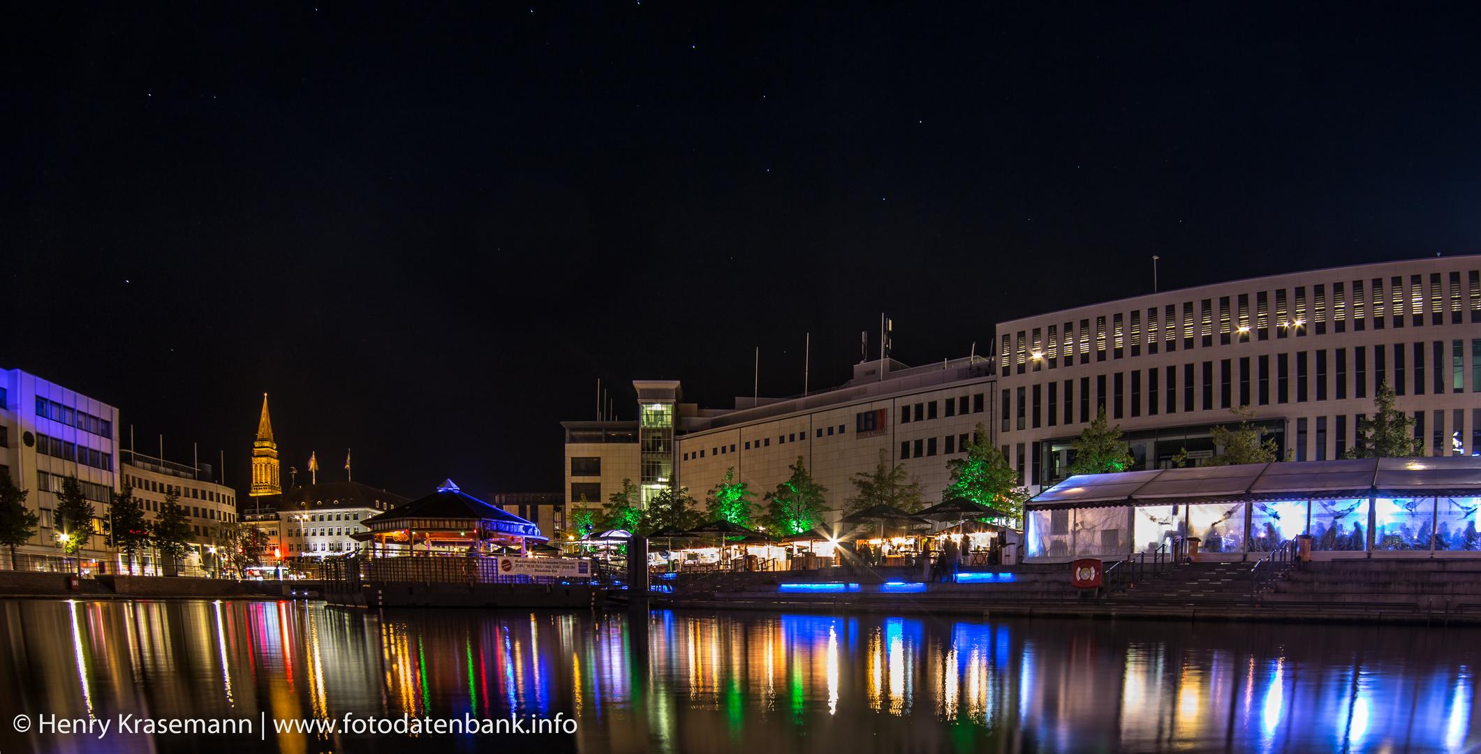 Kieler Bootshafen bei Nacht