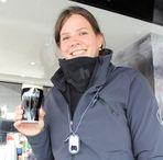 Kieler Woche Girl mit Bier