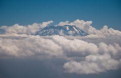 Kilimanjaro in den Wolken