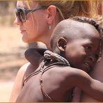 Kind + Frau in Namibia Himba  Ü3000K