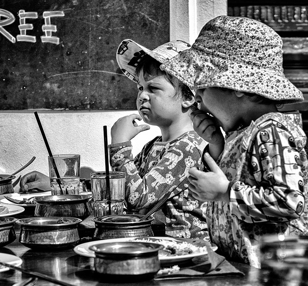 Kinder beim Inder