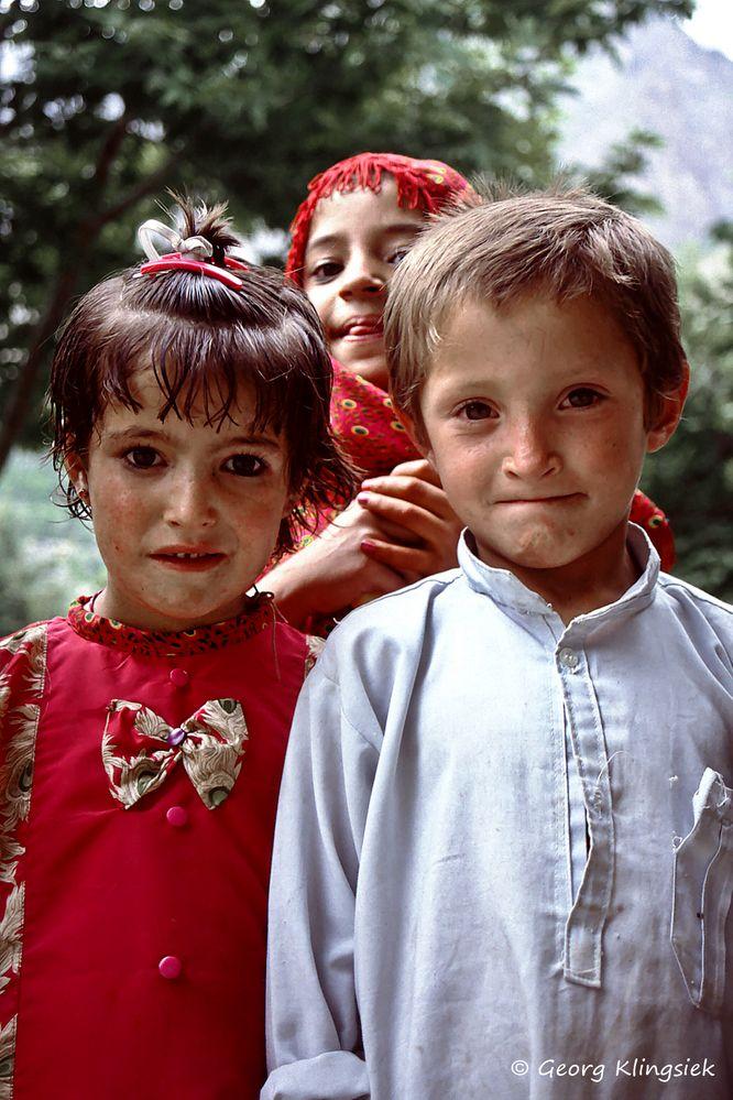 kinder der welt begegnung auf dem karakorum highway