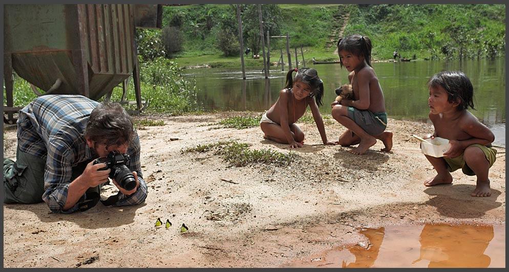 Kinder, Schmetterlinge und Makrofotografen
