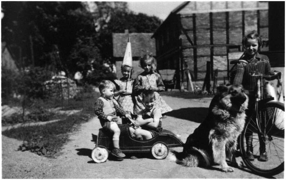 Kinderschar 1954
