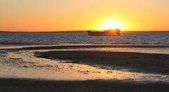 Kingfisher Bay Resort-Fähre auf dem Weg zum Festland