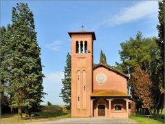 Kirche am Waldrand