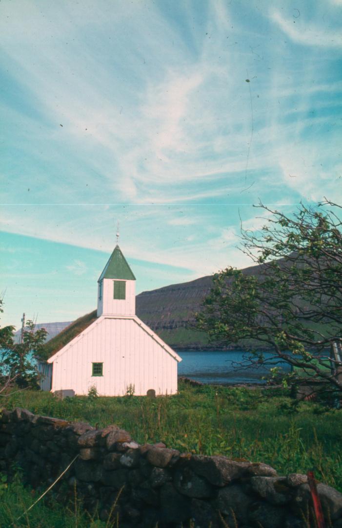 Kirche auf den Faröer-Inseln