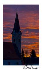 Kirche bei Sonnenuntergang