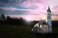 Kirche im Feld