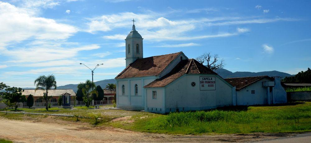 Kirche in Brasilien ( Ländlch)