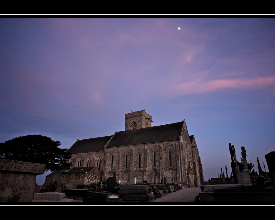 Kirche in Quettehou/Normandie