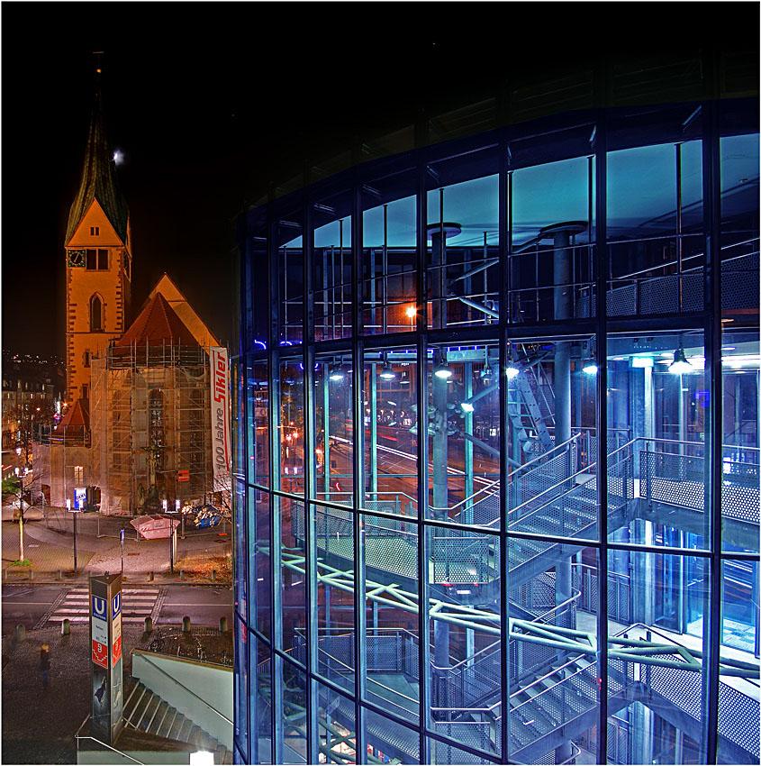 Kirche + Parkhaus